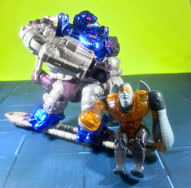 2000 Transformers Beast Machines McDonald's Happy Meal Optimus Primal, robot mode